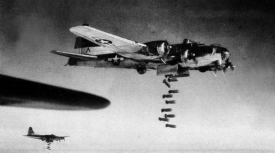 Βομβαρδισμοί, αίμα, εκατόμβες θυμάτων σε ρυθμούς… Heavy Metal! (vid + pics)