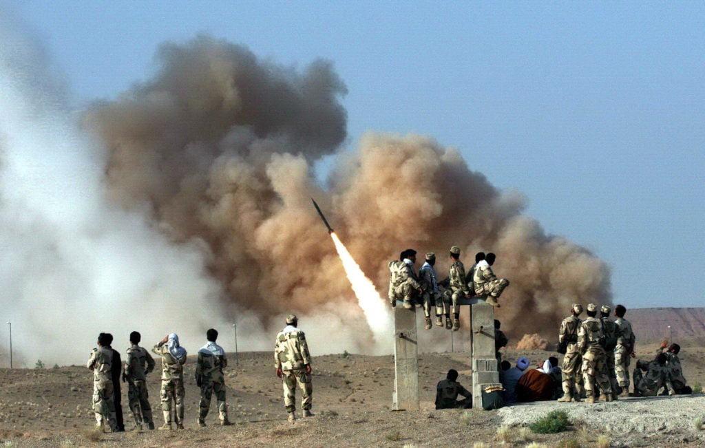 Βομβαρδίστηκε ιρακινή βάση που φιλοξενεί αμερικανικά στρατεύματα στη Βαγδάτη