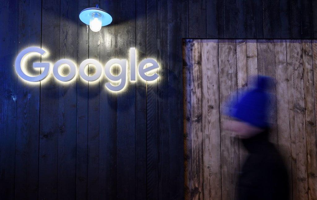 Μη νιώθετε ασφαλής ποτέ – Αυτός είναι ο τιμοκατάλογος της Google για να δίνει πρόσβαση στα δεδομένα σας