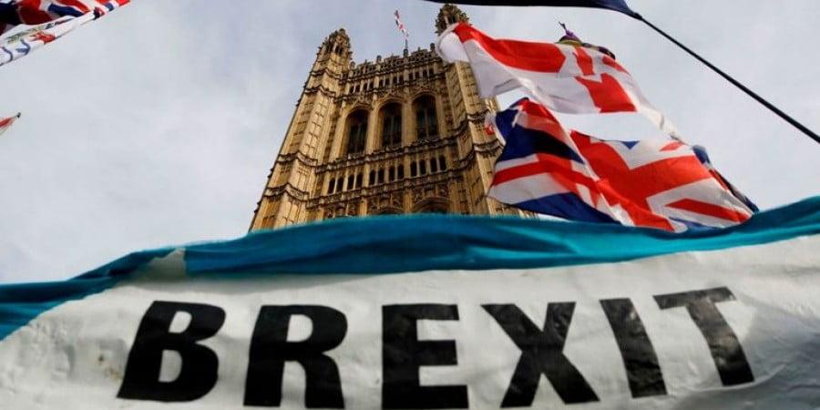 Τί μυρίστηκαν οι Κύπριοι; 9.700 Κύπριοι έχουν αιτηθεί διαμονή στο Ην.Βασίλειο μετά το Brexit