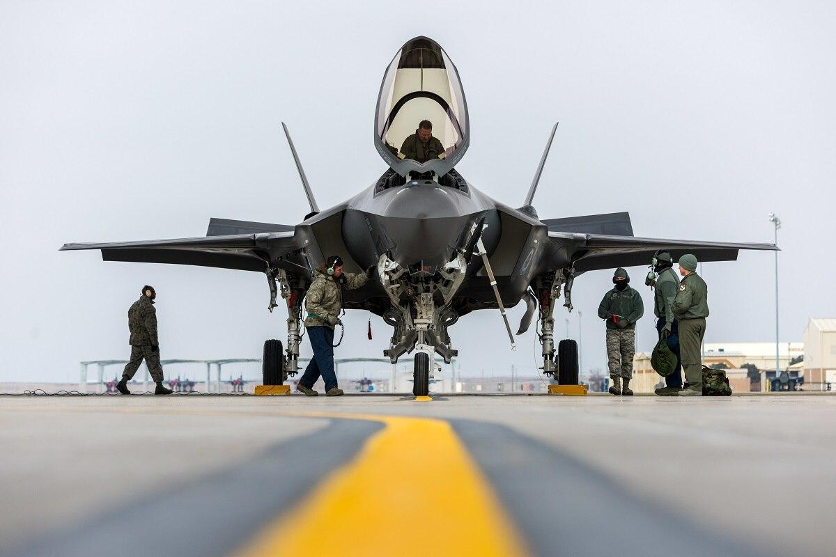 ΠΑ και F-15X: Υπερμαχητικό μεν, απόλυτα απρόσιτο για το ελληνικό μας βαλάντιο δε…