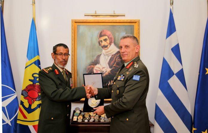 Μια επίσκεψη με σημασία και νόημα – Ο Αρχηγός ΓΕΕΘΑ με τον Α/ΓΕΕΔ των Ην. Αραβικών Εμιράτων – Τι συζήτησαν