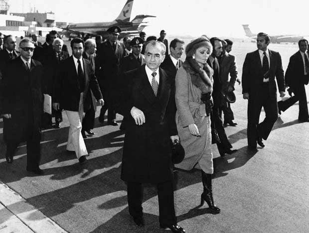 16/1/1979 – Ο Σάχης εξορίζεται από το Ιράν