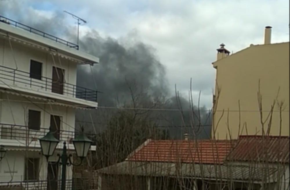 Φωτιά σε γκαράζ σκαφών στην Κάτω Κηφισιά! (vid)