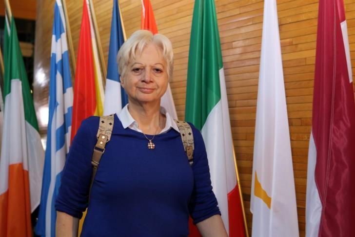 Το Αζερμπαϊτζάν εξέδωσε διεθνές ένταλμα σύλληψης της Ελένης Θεοχάρους