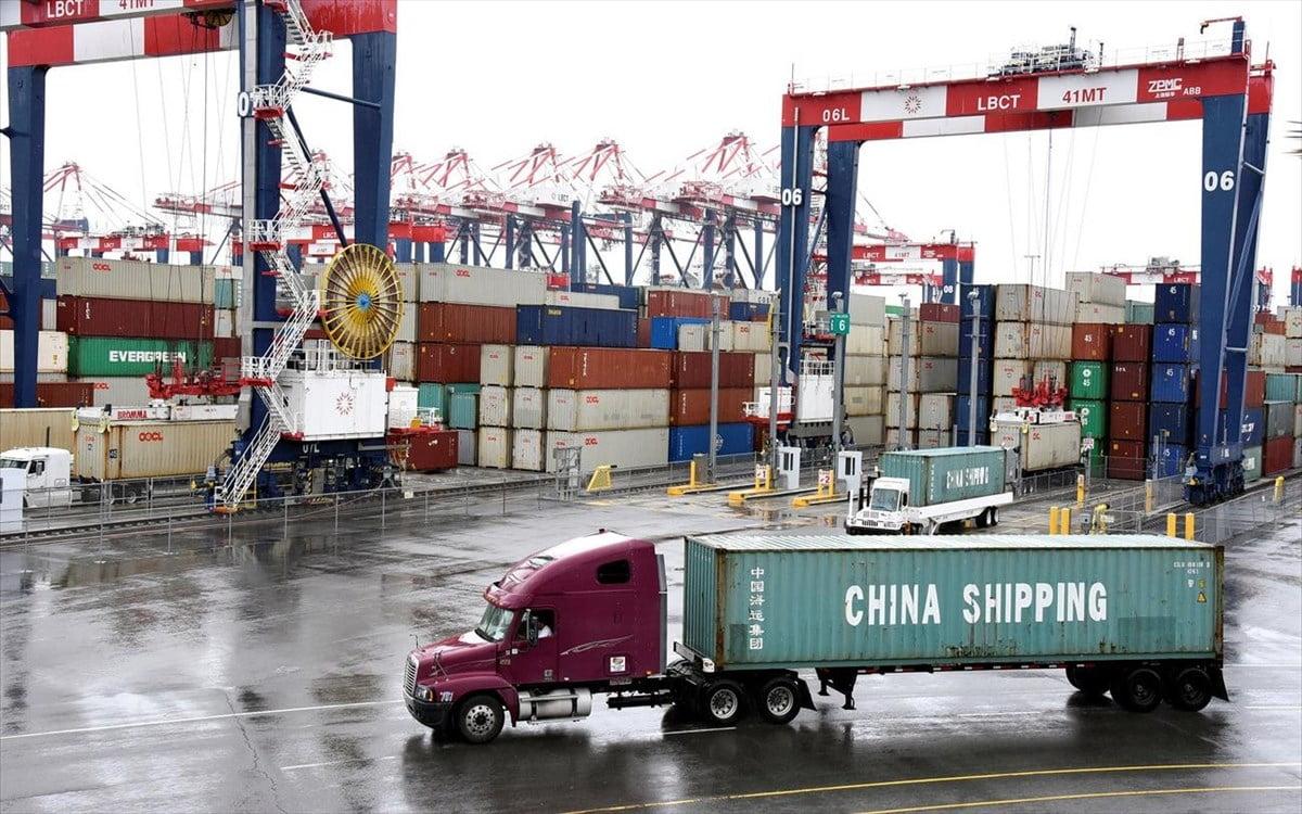 Συνεχίζει να βρυχάται ο κινεζικός δράκος -Αύξηση εισαγωγών και εξαγωγών τον Δεκέμβριο