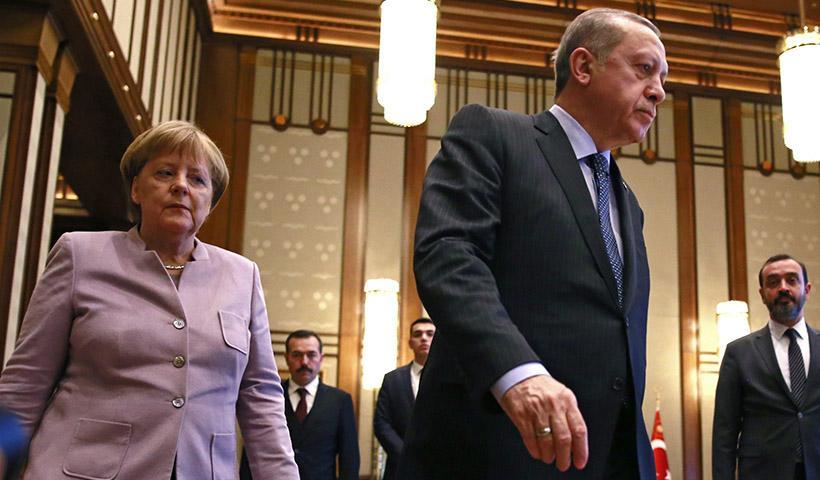 """Μέρκελ σε Ερντογάν: """"Με εκθέτεις""""… Υπονομεύει τη γερμανική θέση η Άγκυρα"""