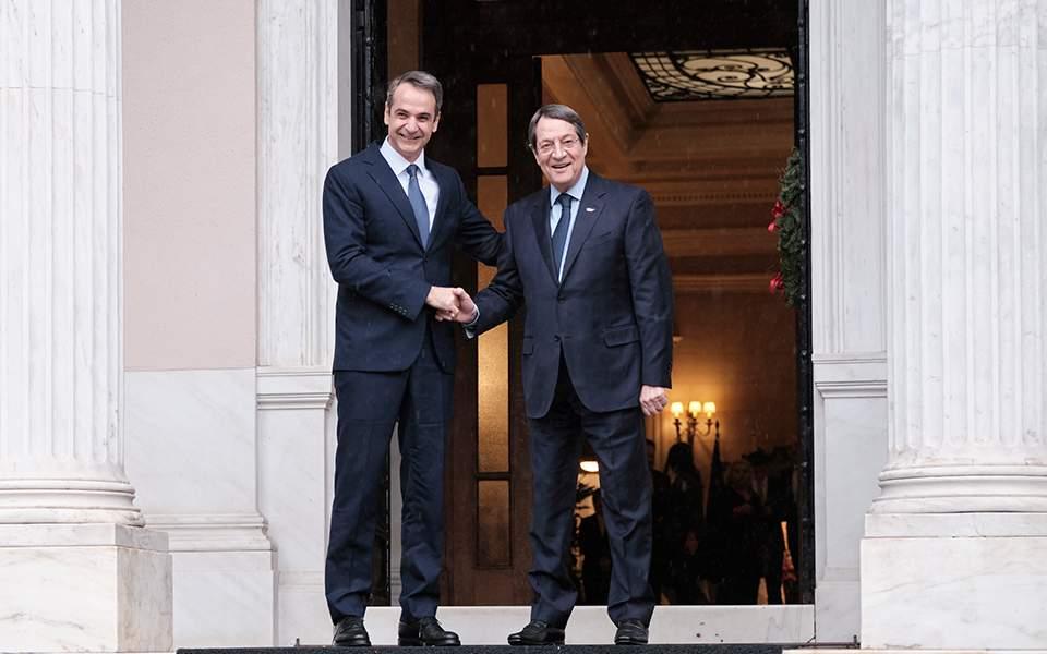 """Ας ξεκινήσουμε από τα """"εύκολα"""": Γιατί η Αθήνα και η Λευκωσία δεν υπογράφουν συμφωνία για την ΑΟΖ;"""