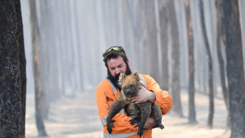 Η Αυστραλία καίγεται… κι εγώ θυμώνω! Πού είσαι ρε Ελλάδα;