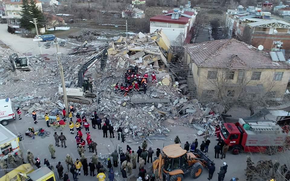 Η τραγωδία στην Τουρκία, η αλληλεγγύη της Ελλάδας και ίσως μια ευκαιρία