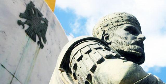 Ο θρύλος του Μαρμαρωμένου και ο συσχετισμός με τον Ιωάννη Βατάτζη - Η  προφητεία του πρόσφατα κεκοιμημένου Εφραίμ της Αριζόνας - Infognomon  Politics