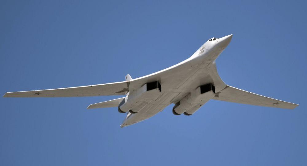 Με επιτυχία η πρώτη δοκιμαστική πτήση του εκσυγχρονισμένου ρωσικού στρατηγικού βομβαρδιστικού Tu-160M