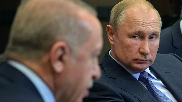 Αξίζει μελέτης: Τα σενάρια πίσω από τον ακήρυκτο πόλεμο Ρωσίας-Τουρκίας στη Συρία