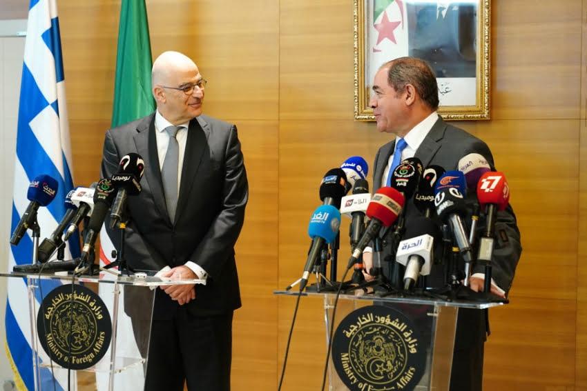 Δένδιας: Ελλάδα και Αλγερία κατά κάθε ξένης εμπλοκής στη Λιβύη