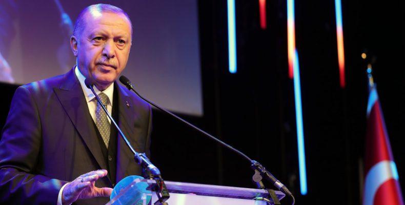 Απελπισμένος και απομονωμένος ο Erdogan εκβιάζει μάταια την ΕΕ