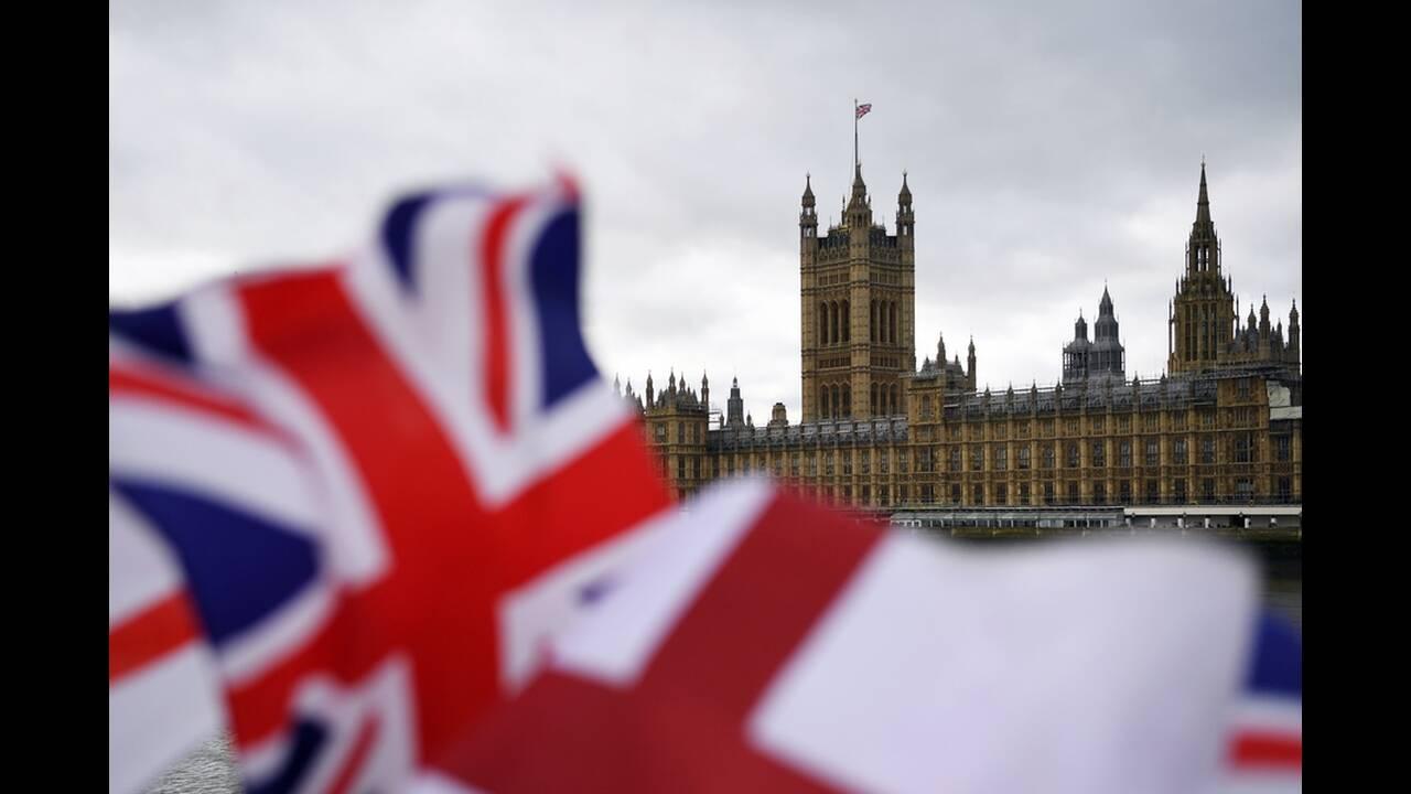 Τι πρέπει να γνωρίζουν για το Brexit οι Ελληνες στο Ην. Βασίλειο, οι Βρετανοί στην Ελλάδα και οι επιχειρήσεις