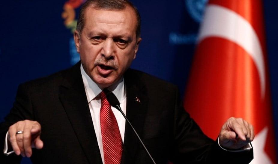 Προκλητικός ο Erdogan: Δεν συμφέρει την Ελλάδα να μπλέξει με την Τουρκία – Να ανοίξει τώρα τα σύνορα για τους πρόσφυγες