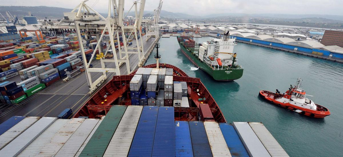 Ιταλία: Προανάκριση εις βάρος τους καπετάνιου του πλοίου που μετέφερε όπλα από την Τουρκία στη Λιβύη