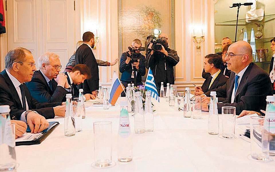 Δένδιας με Λαβρόφ στο Μόναχο – Ελληνογαλλικές συμφωνίες και συζητήσεις για τις φρεγάτες Belh@rra