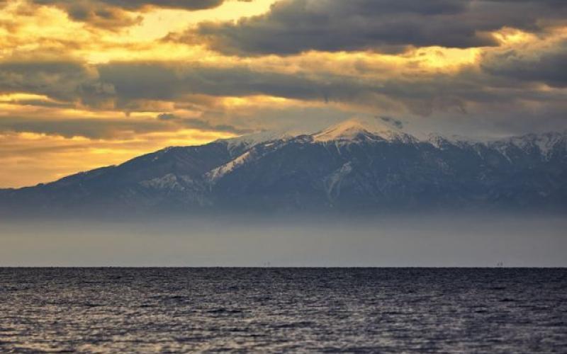 Επιβλητικό το όρος των Θεών! Η μαγευτική θέα του Ολύμπου από την παραλία της Θεσσαλονίκης