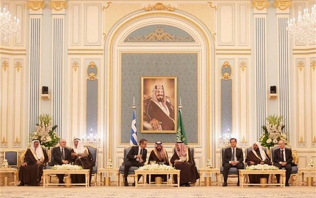 Επίσκεψη Μητσοτάκη στη Σ. Αραβία – «Νεύμα» για επενδύσεις