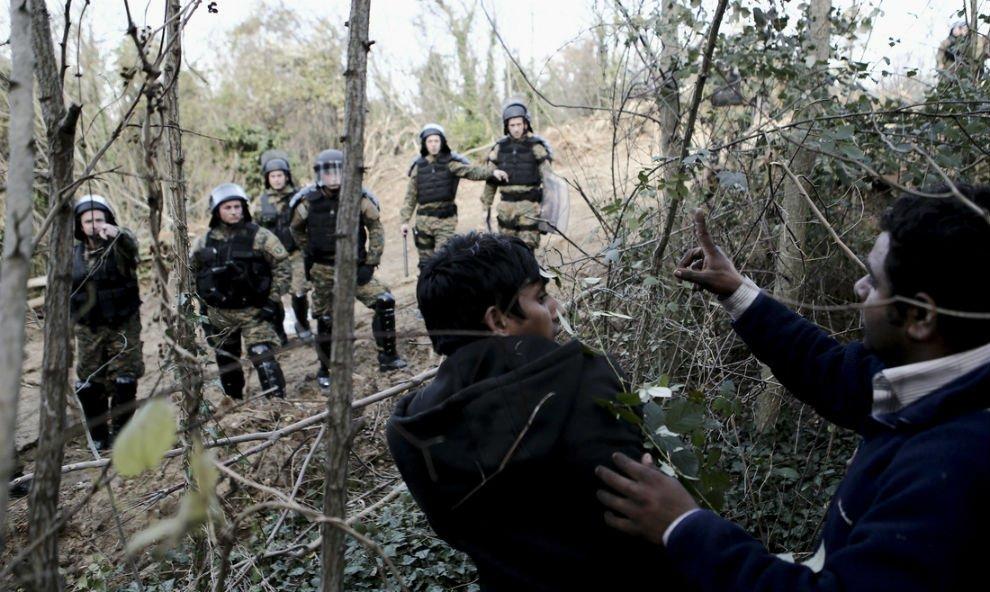 Εκτάκτως στον Έβρο ο αρχηγός ΓΕΕΘΑ – Πάνω από 500 πρόσφυγες στα σύνορα – Έστειλαν στρατό και αστυνομία