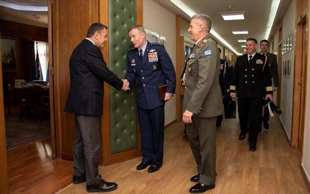 Στο ΥΠΕΘΑ ο ανώτατος συμμαχικός διοικητής Ευρώπης του ΝΑΤΟ