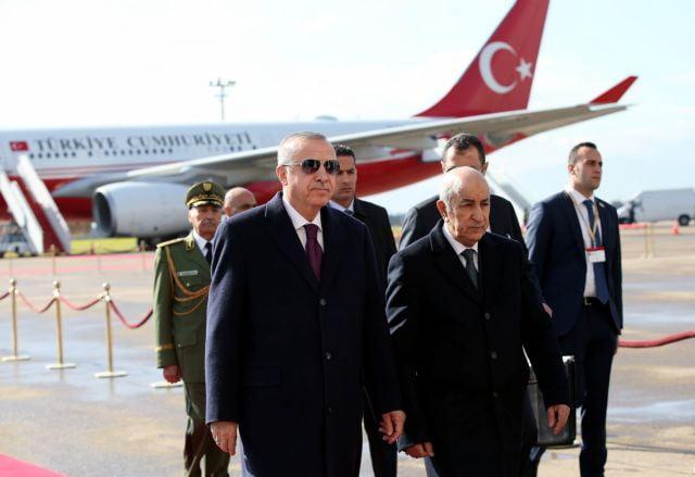Ιντλίμπ: Συνεδριάζει «κεκλεισμένων των θυρών» η τουρκική Βουλή, ενώ ο Ερντογάν «βυθίζεται»