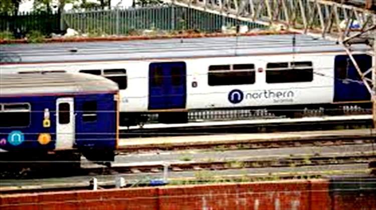 Η Βρετανική Κυβέρνηση Κρατικοποιεί τους Σιδηροδρόμους της Βόρειας Αγγλίας