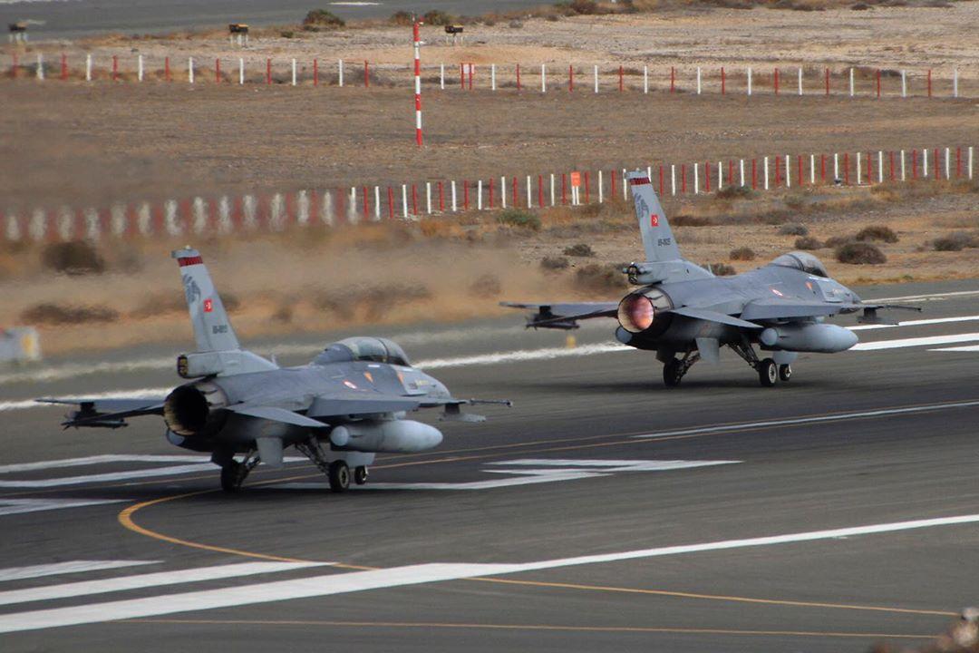 Οι «ανοιχτές» πληγές της τουρκικής πολεμικής αεροπορίας – Οι αδυναμίες στη Συρία στο μικροσκόπιο των Ελλήνων επιτελών