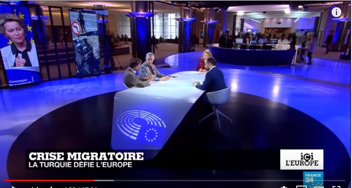 Δεν ορρωδούν ούτε προ της απειλής κατάλυσης των συνόρων μας – Δείτε τον Κούλογλου να διασύρει την Ελλάδα
