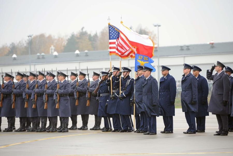 Οι ΗΠΑ μετέφεραν πυρηνικά στην Πολωνία – Με απάντηση απειλεί η Ρωσία, ανησυχία για όξυνση των εντάσεων στην ΕΕ
