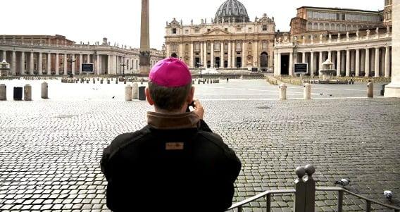 Κορονοϊός: Κλείνουν όλες οι εκκλησίες της Ρώμης