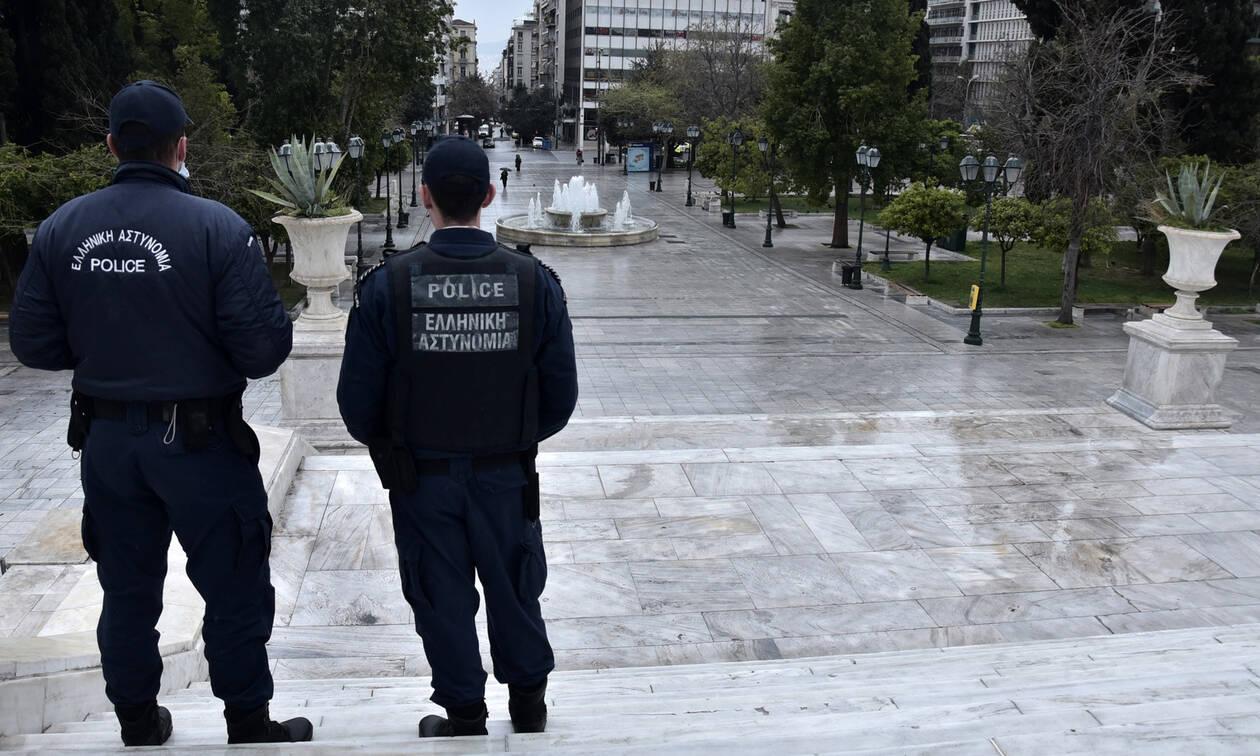 Η ελληνική κυβέρνηση προετοιμάζεται για μεγάλη παράταση έως δύο μήνες στην καραντίνα για τον κορωνοϊό