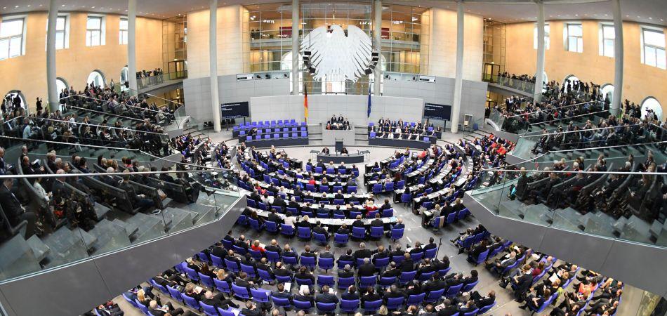 Το γερμανικό κοινοβούλιο ψήφισε κατά της υποδοχής 5.000 προσφύγων από την Ελλάδα