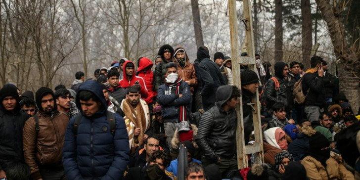 Η Ελλάδα ανοίγει εκ νέου την «πόρτα» στους μετανάστες! Αποκτούν ξανά δικαίωμα ασύλου