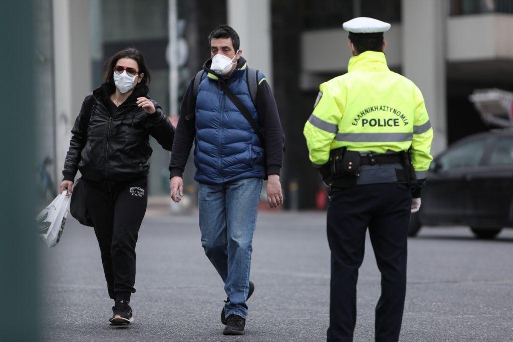 Κοροναϊός : Ποια μέτρα σκέφτεται η κυβέρνηση για την επόμενη ημέρα