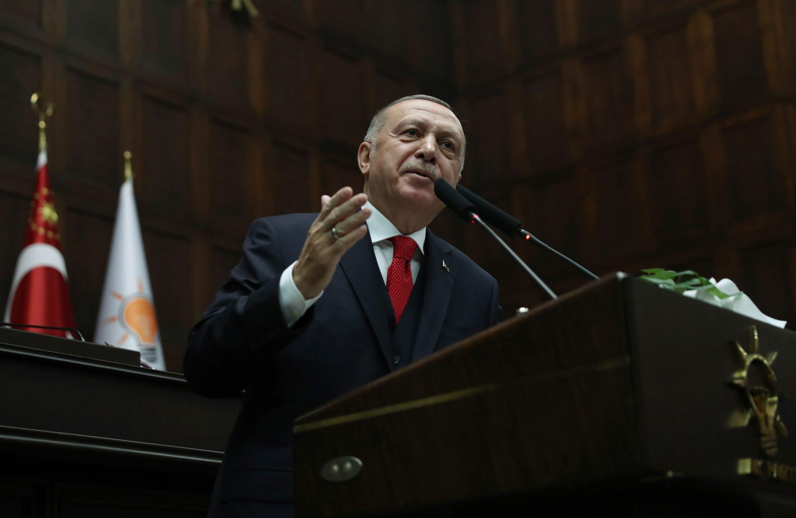 Παραλήρημα Ερντογάν: «Ανοιχτές οι πόρτες για εκατομμύρια μετανάστες»