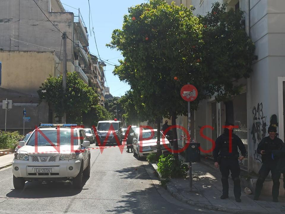 Βαρύ οπλισμό και τούνελ αποκάλυψαν οι επιχειρήσεις της Αντιτρομοκρατικής σε Σεπόλια και Εξάρχεια
