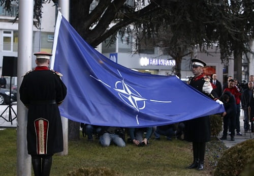 Η ένταξη της Δημοκρατίας της Βόρειας Μακεδονίας στο ΝΑΤΟ και εμείς