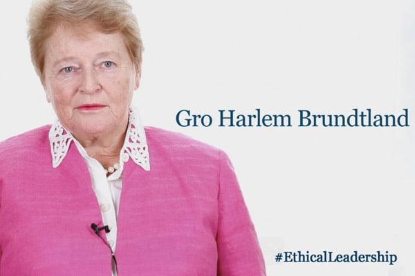 Αυτή είναι η Γκρο Χάρλεμ Μπρούντλαντ, Γενική Διευθύντρια του ΠΟΥ από το 1998 έως το 2003.