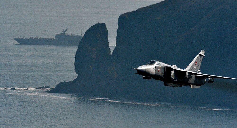 Ρωσικό Su-24MR σε αποστολή αναγνώρισης πάνω από τη θάλασσα της Ιαπωνίας