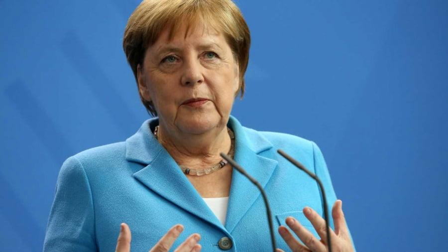 """Τα έχει """"στυλώσει"""" η Merkel: Λάθος δρόμος, η έκδοση ευρωομόλογων"""