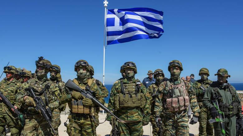 Έφυγε ο Μάνος Ηλιάδης, ο μεγάλος δάσκαλος του αμυντικού ρεπορτάζ στην Ελλάδα