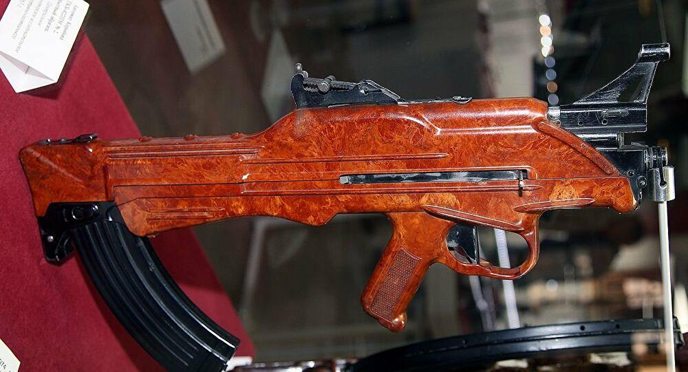 Βγαλμένα από ταινία Alien: Τα πιο παράξενα σοβιετικά πυροβόλα όπλα – Βίντεο