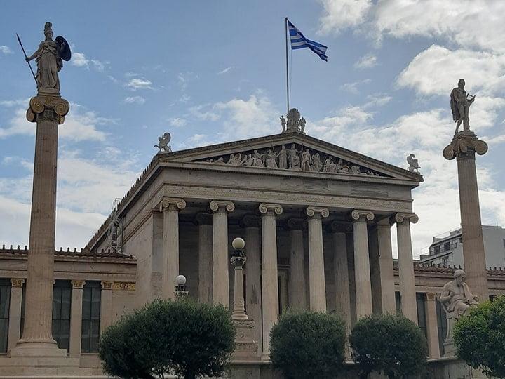 19 μέλη της Ακαδημίας Αθηνών εξέδωσαν ανακοίνωση για τον κορωνοϊό