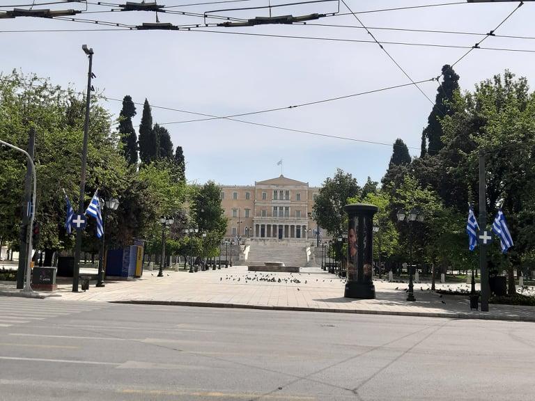 Επιτέλους, ένα καλό νέο! Την 3η Μαΐου αρχίζει η σταδιακή άρση των περιοριστικών μέτρων στην Ελλάδα – Σε τρεις φάσεις η επιστροφή στην κανονικότητα