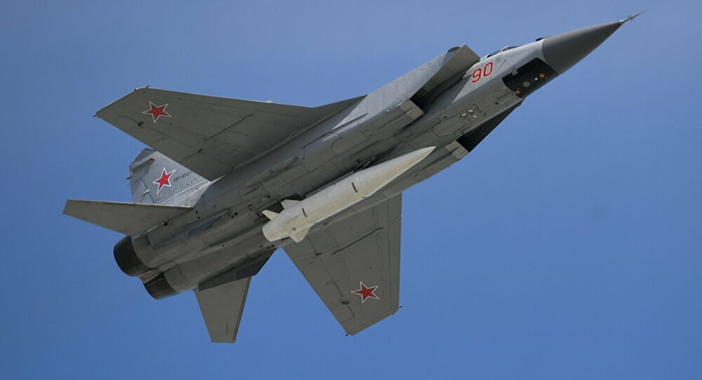 Ρωσικό μαχητικό MiG-31 προσεγγίζει αεροσκάφος του ΝΑΤΟ – Βίντεο