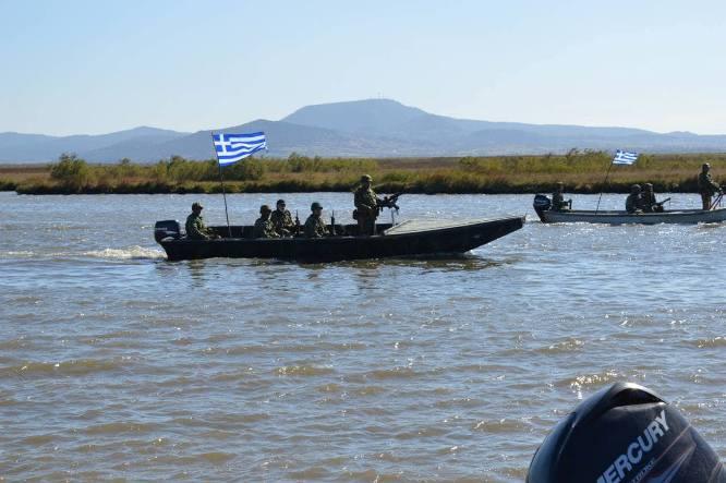 Σκάφος-κλειδί για την επιτήρηση του Έβρου παρέλαβε ο Στρατός