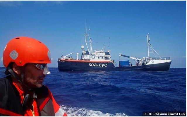 Σε καραντίνα ανοιχτά της Ιταλίας οι μετανάστες που διέσωσε το «Alan Kurdi»